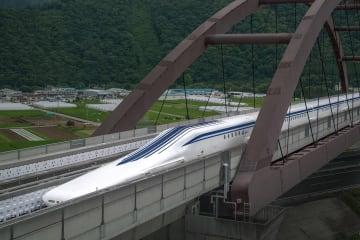 日本経済への大きな波及効果が期待される