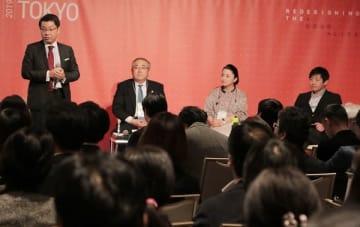 セッション「SDGs:マッピングの一歩先」。左からファシリテーターの足立直樹氏、味の素の吉宮由真氏、リクルートホールディングスの瀬名波文野氏、SDGパートナーズの田瀬和夫氏。