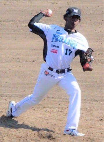 福島―群馬 初先発し初勝利したペーニャ=福島・牡丹台野球場
