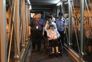 スリランカ連続爆発で負傷した中国人、広州に戻る