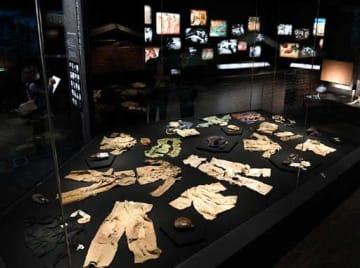 報道陣に公開された原爆資料館本館のリニューアル展示