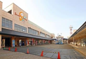 高田世界館の2号館開設が検討されている商業施設「さん来夢あらい」=23日、妙高市朝日町1