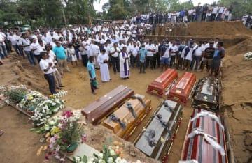 スリランカの連続爆発、死者が359人に