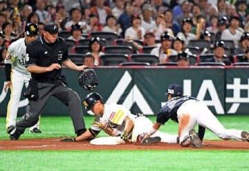 ソフトバンク3年目三森、気迫のヘッスラで三塁打