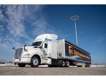 トヨタと米トラックメーカーのケンワース(Kenworth)と共同で開発した「T680」をベースとした第3世代と言える燃料電池大型商用トラックを公開