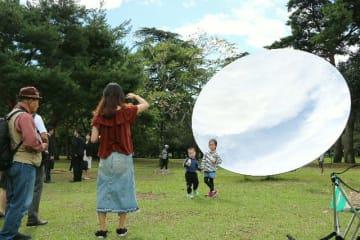 国民文化祭期間中に別府市の別府公園で展示された「スカイミラー」