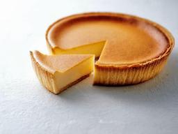 誕生から50年を迎えた人気商品「デンマーククリームチーズケーキ」(モロゾフ提供)