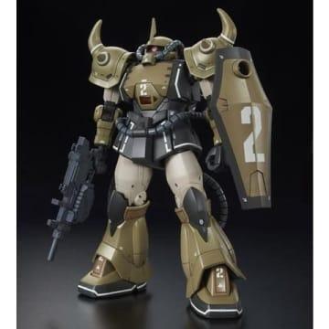 「機動戦士ガンダム THE ORIGIN MSD(Mobile Suit Discovery)」のプロトタイプグフのサンドカラーバージョンのプラモデル「HG 1/144 YMS-07A-0 プロトタイプグフ(機動実証機 サンドカラーVer.)」(C)創通・サンライズ