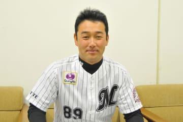 若手投手陣について語ったロッテ・川越英隆投手コーチ【写真:篠崎有理枝】