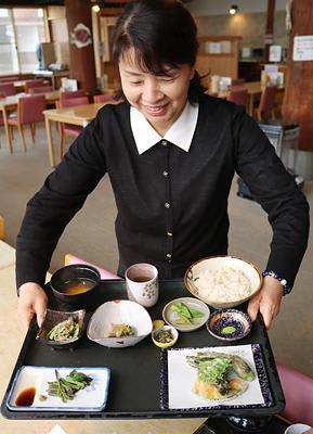 栴檀山の山菜ふんだんに 砺波・夢の平コスモス荘、26日から定食