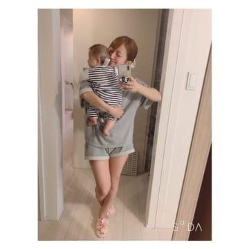 辻希美、長女と色違いで購入したGUの部屋着「あまりに可愛いくて3着買い」