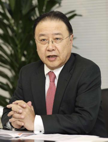 インタビューに答えるSOMPOホールディングスの桜田謙悟社長