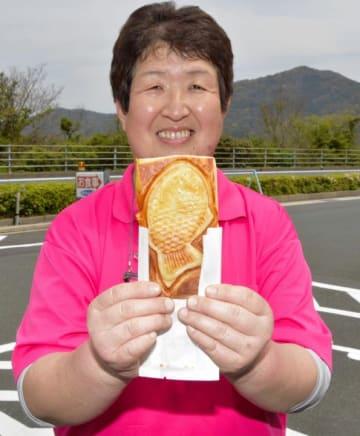 特産のサツマイモで作ったイモバター味が人気の「クロワッサンたいやき」
