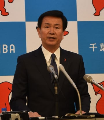 新たな児童虐待対策を公表する予定と明かした森田知事=25日、千葉県庁