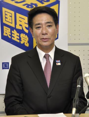 京都市で記者会見する国民民主党京都府連会長の前原誠司元外相=27日午後