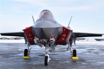 機密の塊とされる空自三沢基地のF35戦闘機。最も機密なのはコンピューターのソフトウエアと専門家は指摘する