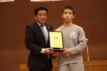 オリンピックゴールドメダリスト賞の尾西大河(佐賀・鳥栖工高)