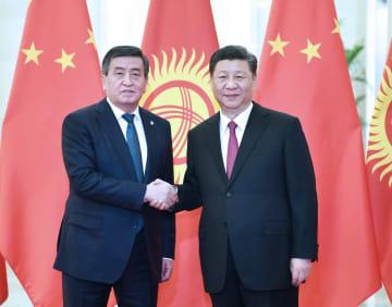 習近平主席、キルギス大統領と会見 テロ取り締まり協力の強化で一致