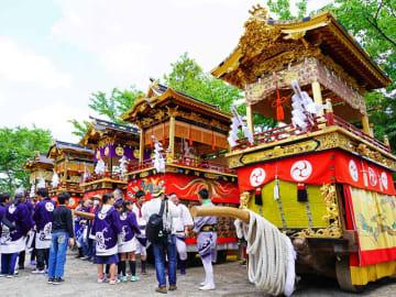 昨年の大溝祭で日吉神社に宮入りした曳山。今は「400周年記念祭」と銘打ち、多彩な取り組みを繰り広げる(滋賀県高島市・高島市提供)