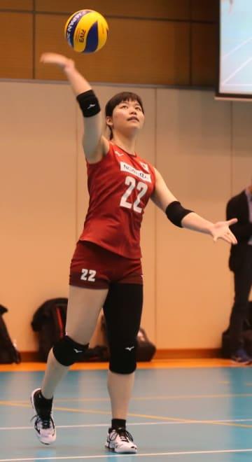 初選出の代表合宿で練習に励む吉野=24日、東京都北区の味の素ナショナルトレーニングセンター