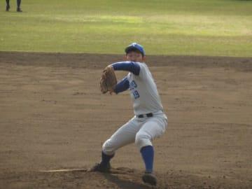 8回無失点の好投で4勝目を挙げた投手西野(育・4年)(写真は軟式野球部提供)
