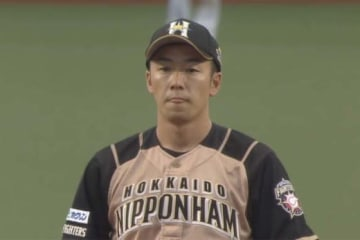 4番手で登板した日本ハム・斎藤佑樹【画像:(C)PLM】