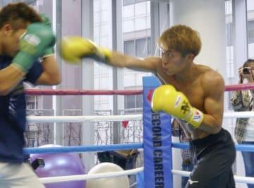 WBSS準決勝に向けた練習を公開したWBAバンタム級王者の井上尚弥=横浜市の大橋ジム
