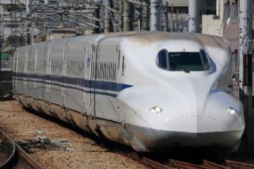 新幹線(HAYABUSA / PIXTA)