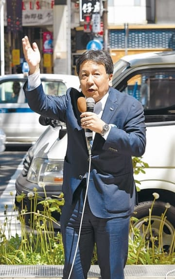夏の参院選に向けて支持を呼び掛ける枝野氏