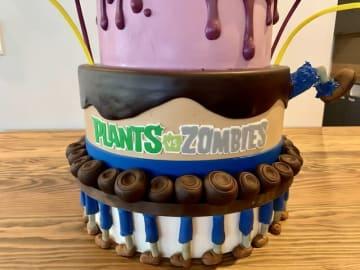 名作タワーディフェンス『Plants vs. Zombies』発売から10周年!公式Twitterが特製ケーキでお祝い