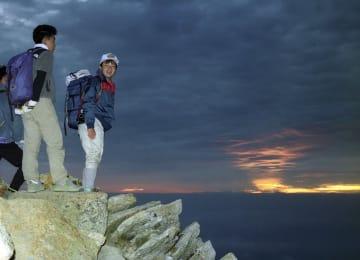 1992年9月18日、常念岳山頂の日の出