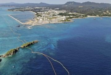 埋め立てが進む沖縄県名護市辺野古の沿岸部。中央付近は軟弱地盤が存在する海域=3月