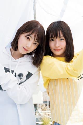 「週刊少年マガジン」第23号の表紙に登場した「乃木坂46」の堀未央奈さん(左)と掛橋沙耶香さん