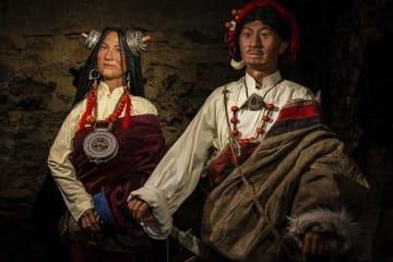 康巴チベット族をテーマにした初の蝋人形館オープン 四川省
