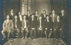 創業当初、1911年当時の東京月島機械製作所の経営陣=月島機械提供