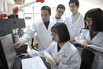二酸化炭素を効率よくメタノールに変換 中国の研究チーム