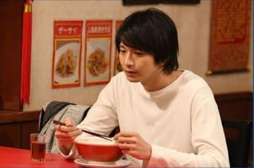 連続ドラマ「わたし、定時で帰ります。」に出演する俳優の向井理さん(C)TBS