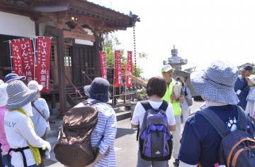 鹿嶋市で人気のまち歩きツアーの様子