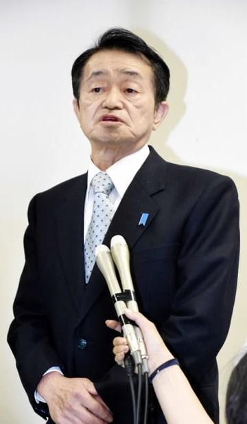 「日朝首脳会談を実現してほしい」と話す地村保志さん=5月8日夜、福井県の小浜市働く婦人の家