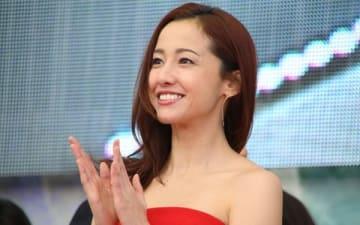 スペシャルドラマ「白い巨塔」の制作発表記者会見に登場した沢尻エリカさん