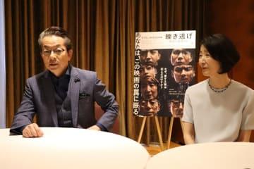 「映画を通じて人を描くことに興味があった」と話す水谷監督(左)と檀ふみ=福岡市内