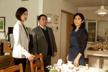 真野響子さん(右)がゲスト出演した天海祐希さん主演の連続ドラマ「緊急取調室」の第5話の1シーン(C)テレビ朝日