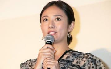 映画「居眠り磐音」の舞台あいさつに登場した木村文乃さん