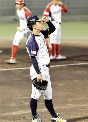 ルートインBCリーグ・信濃―福井 3回信濃無死一、三塁、3点本塁打を浴びた福井の先発園田彪=長野県の松本市野球場