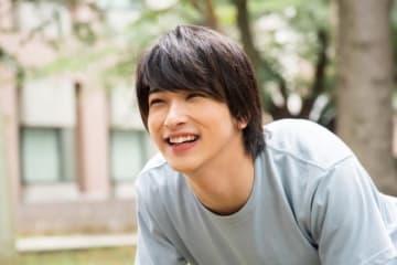 笑顔がさわやかすぎる!横浜流星 - (C) 朝井リョウ/集英社・LET'S GO BREAKERS PROJECT