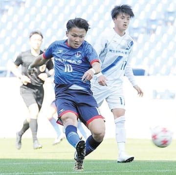 東京国際大FC―東京国際大 後半35分、東京国際大の有水がチーム5点目のゴールを決める