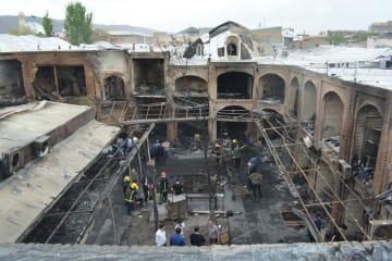 火災があったイラン北西部タブリーズのバザール=9日(イラン学生通信提供・共同)