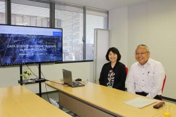 タッグを組むマイ.ビジネスサービス.の村田社長(左)とテービーテックの金井社長