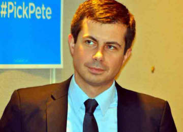 Description: DNC Winter Meet 0063 'Pick Pete' Buttigieg Date: 24 February 2017, 15:36 Source: DNC Winter Meet 0063 'Pick Pete' Buttigieg Author: Edward Kimmel from Takoma Park, MD (Wikipedia)