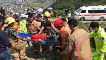 浙江省温嶺市で農業用トラクターが横転 12人死亡